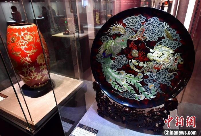闽川两省120件(套)漆艺术作品在福州展出
