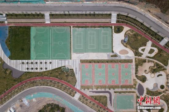 两部门:2025年全国人均体育场地面积拟达2.6平方米以上图片