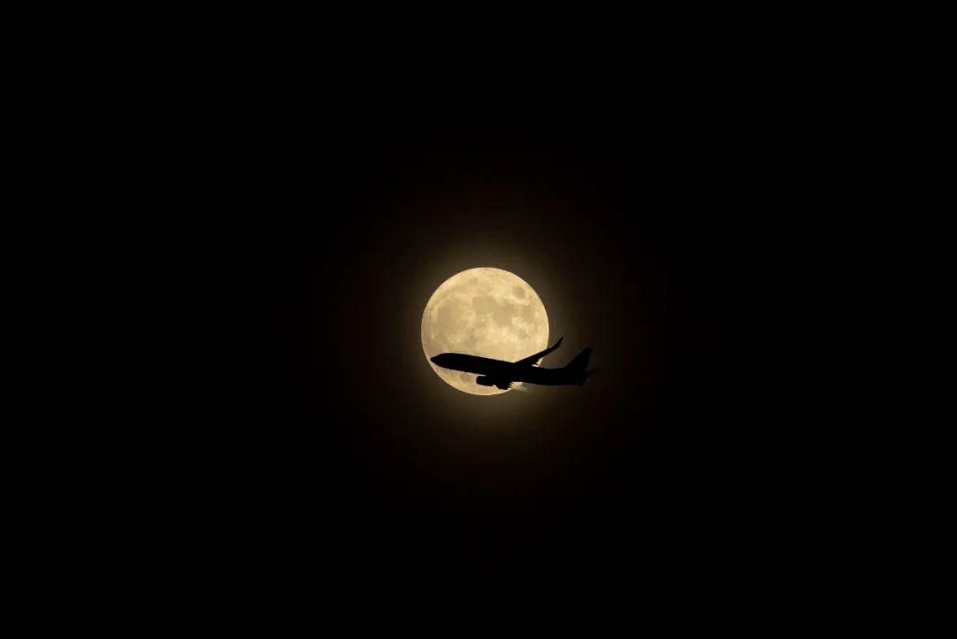 """来了!来了!今年首次""""超级月亮"""""""