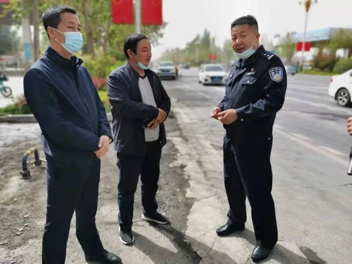 阿克苏地区公安局交警支队副政委胡伟深入阿克苏市辖区指导隐患排查工作