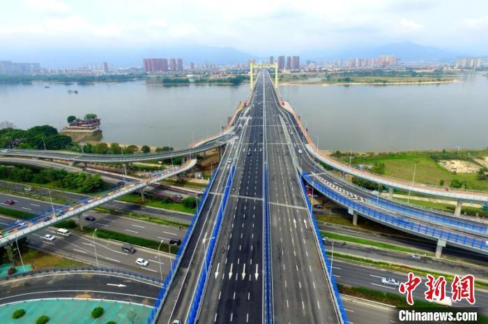 """福州""""两洪桥""""全线通车 旧桥全部环保拆除图片"""