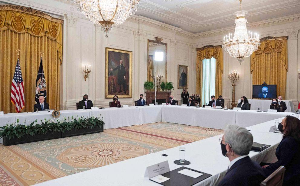 拜登指示内阁成员推广2.25万亿美元基建计划