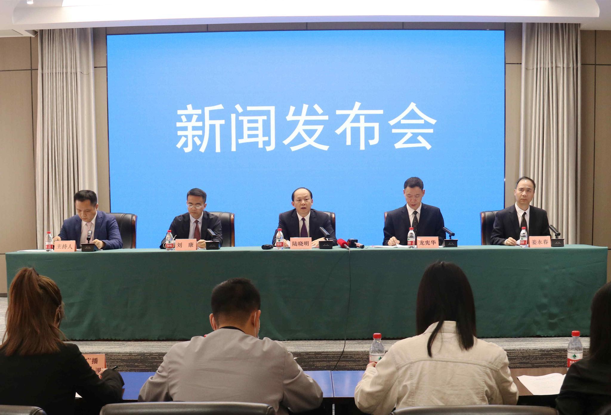 公交车能下乡进村了,《广西壮族自治区农村公路条例》5月起施行