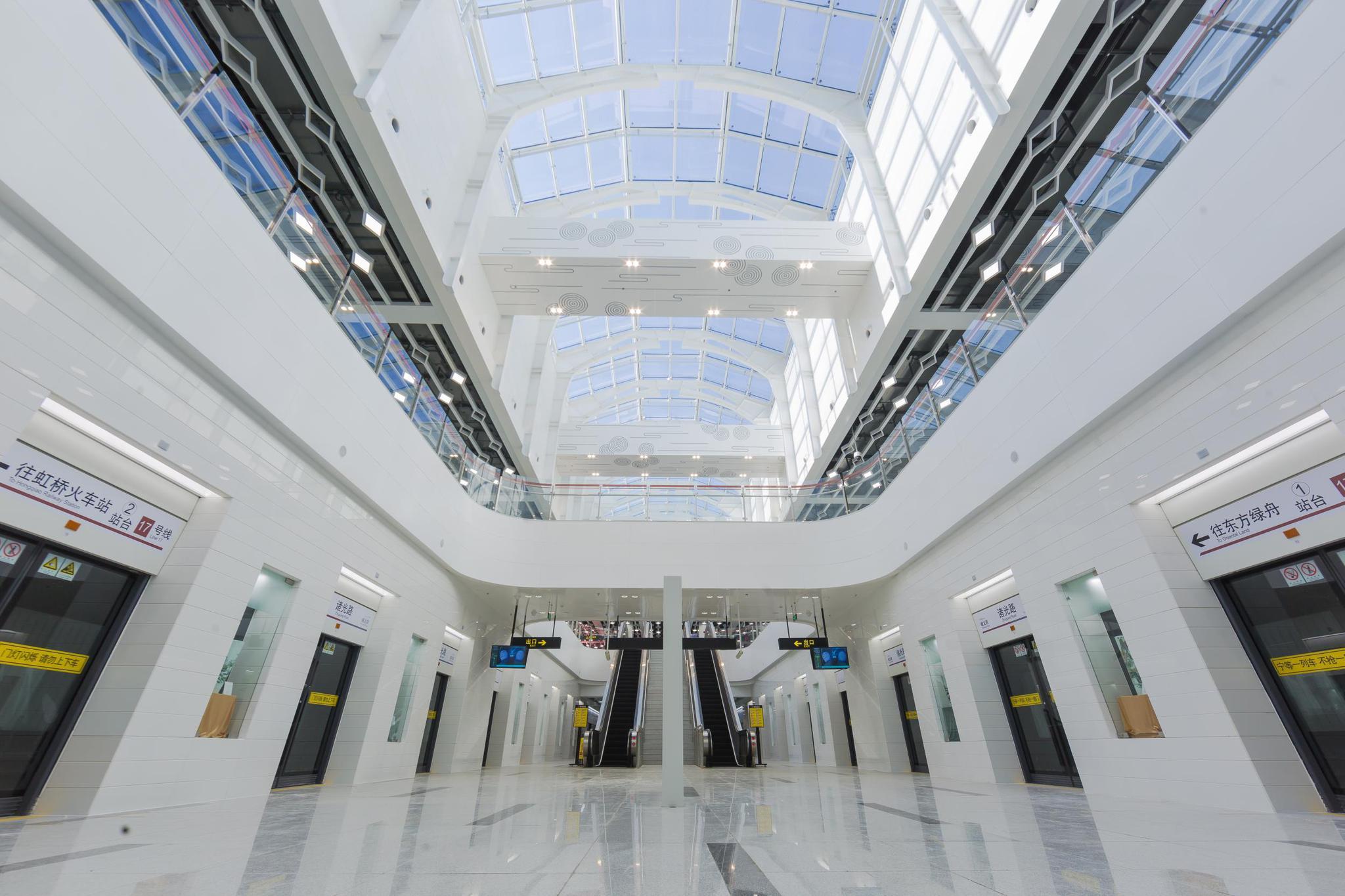 上海地铁基地的绿色发电项目,华春莹也点赞,还有这些新技术亮相