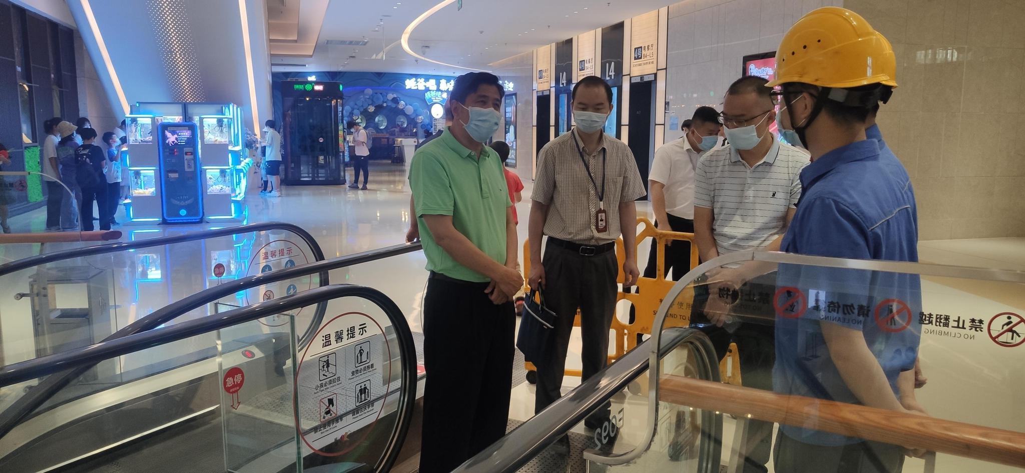 市局黄海明总工程师带队开展清明节期间特种设备安全督导工作