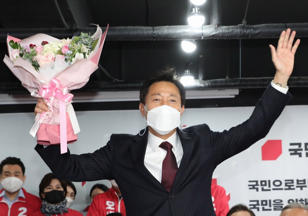 韩国下届总统选举前哨战结果出炉,执政党惨败