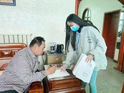 """新绛县开通""""绿色通道""""和""""上门服务""""等便民服务措施"""