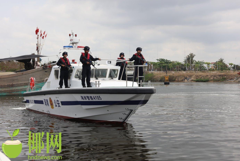 """海南海岸警察再添""""新尖刀力量"""",3艘高速摩托艇正式入列"""