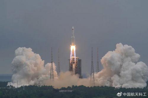 长征五号 B 遥二运载火箭末级残骸成功再入大气层,绝大部分烧蚀销毁