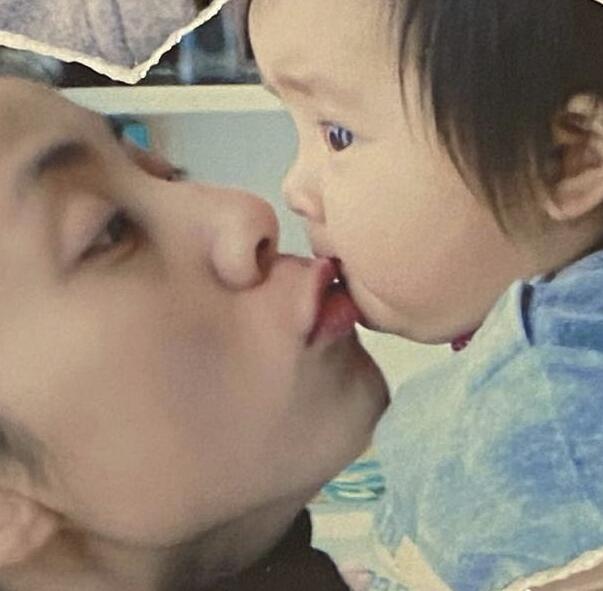 黄多多罕晒婴儿照表白妈妈孙莉:我会永远爱你