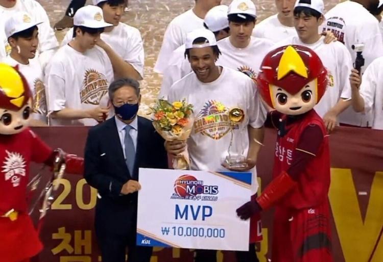 萨林杰狂砍42分15篮板 率队夺得韩国KBL联赛冠军并荣膺FMVP