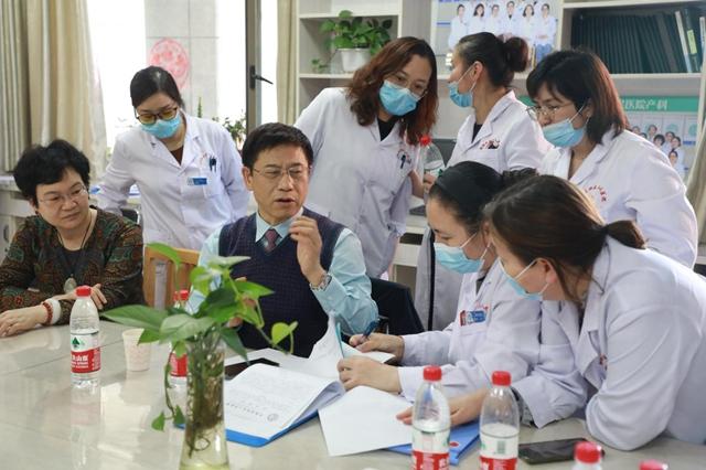 八天五地行万里,广州党员医生真情帮扶新疆