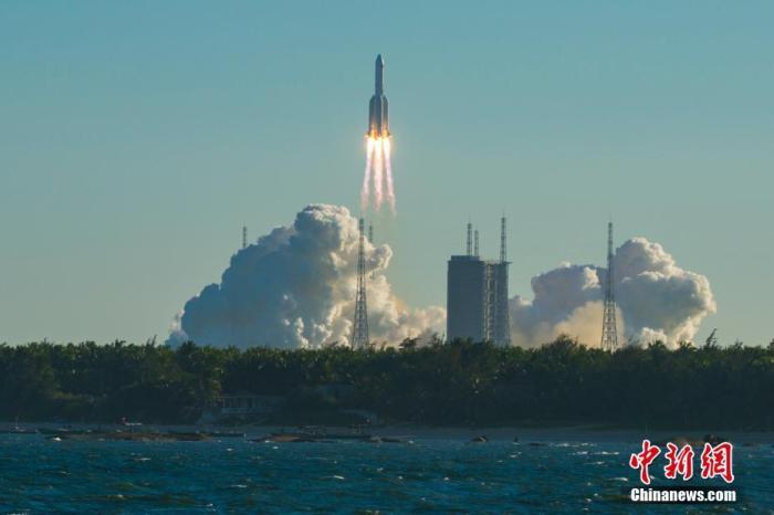 """真正""""失控""""的并非中国火箭残骸,而是西方媒体"""