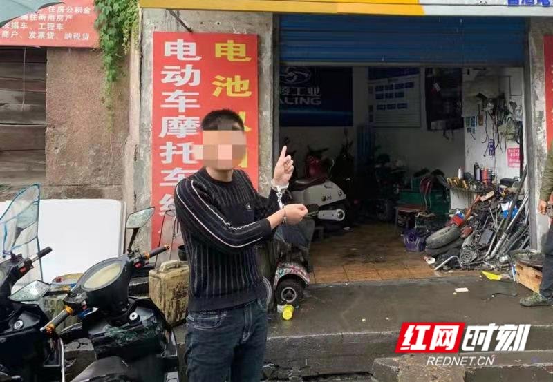 """小区业主电动车被盗 民警破案后发现盗贼竟是""""邻居"""""""