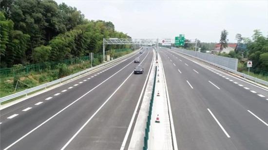 沿着高速看湖南 | 长常北线长益段:支持自动驾驶的智慧高速