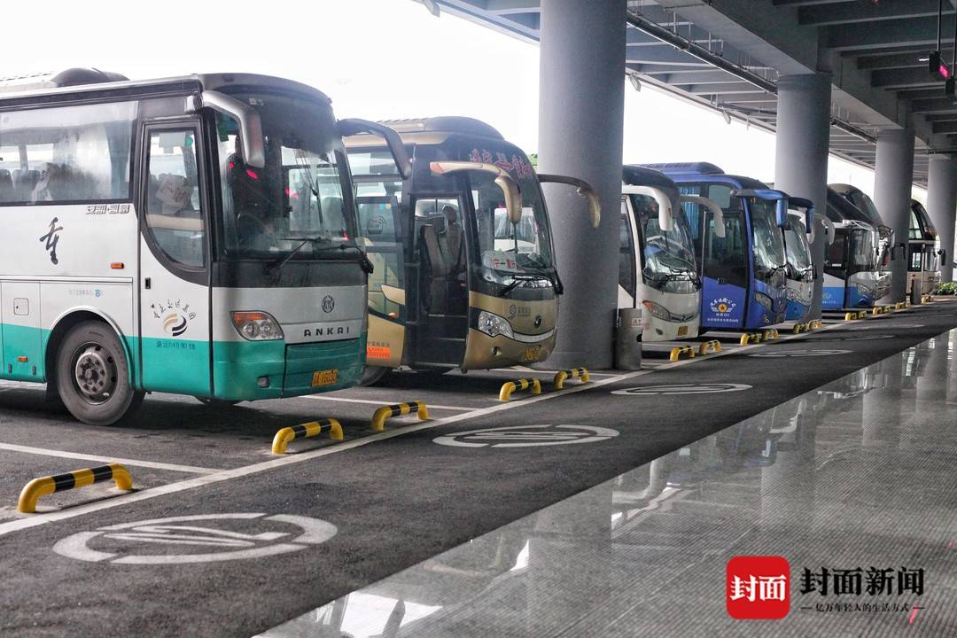 重庆江北机场长途汽车站连开3条客运班线 长途汽车客运线路已达44条