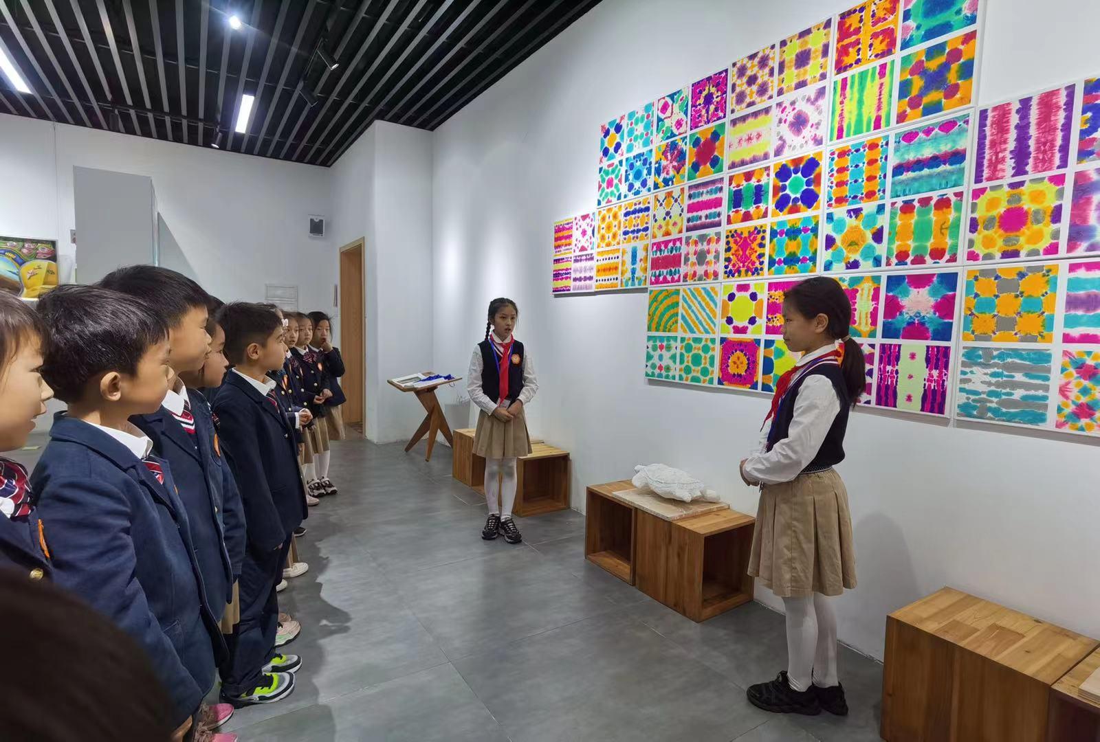 学生做美术馆馆长、策展人……看这所小学如何将美的种子根植在学生心间