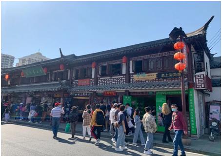 """""""老上海茶馆""""重开业传承海派文化"""