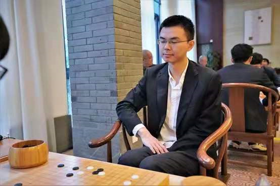 中国围棋第四十九位九段  深圳龙华队陶欣然喜晋升
