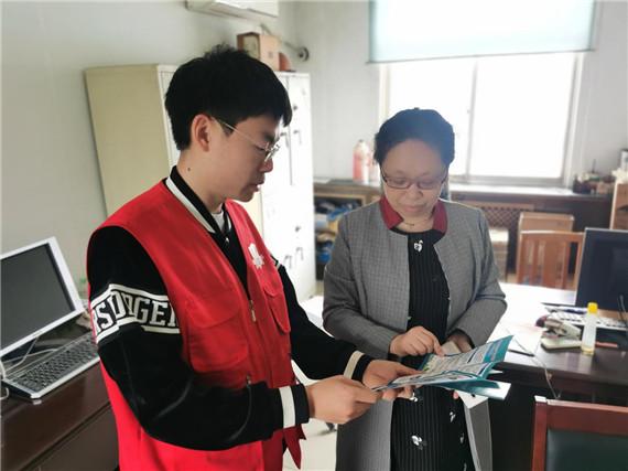 """栖霞街道企业代办团队:""""一对一""""金牌服务助力企业高质量发展"""