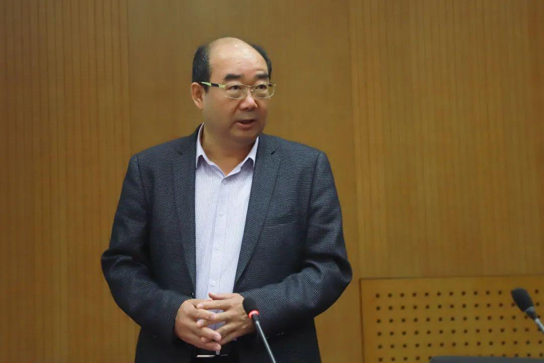 中国人口学会副会长原新:未来10年人口负增长基本没悬念 | 新京智库高端访谈