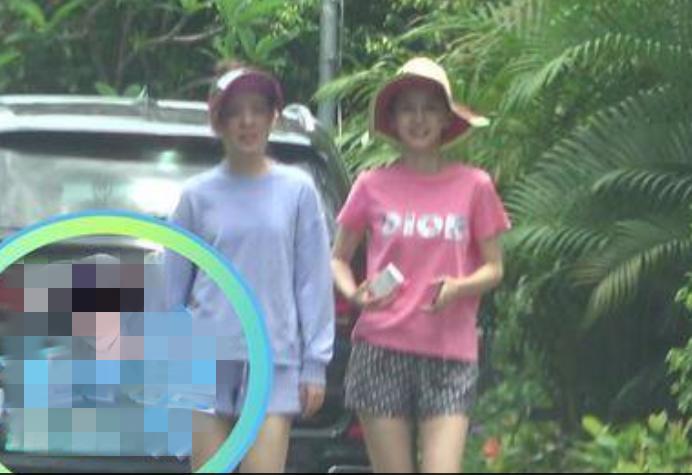 杨颖在三亚被拍,素颜憔悴还抽烟,穿T恤短裤就是个很普通的人!