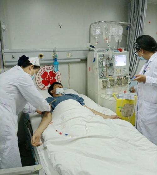 """漳州小伙两次捐髓,挽救同年同月生的""""兄弟"""""""