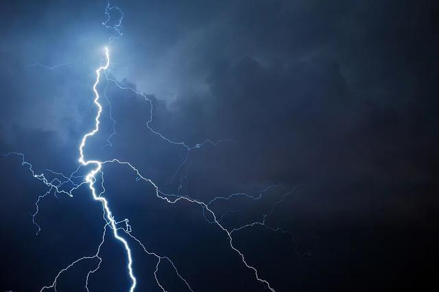 最新:黑河今明两天局地或有短时雷雨大风、冰雹!速看…