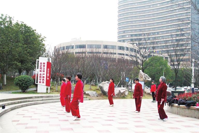 九江城区小游园点亮市民新生活