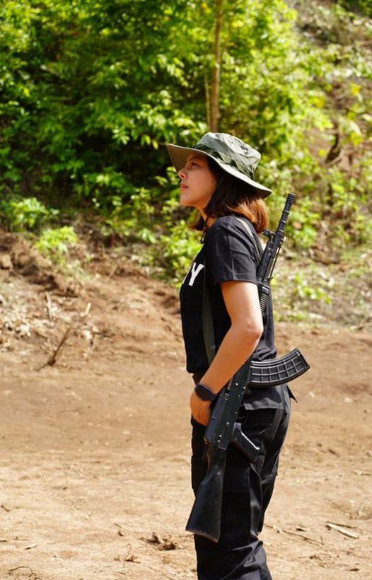 外媒关注这位缅甸选美皇后:扛起武器加入反对派武装