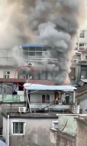 广州海珠区一民居14日清晨起火,事故原因仍在调查