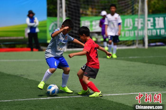 首届跨地区自闭症青少年足球赛在福州开赛