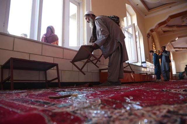 """阿富汗一清真寺爆炸致12死 """"伊斯兰国""""宣布负责"""