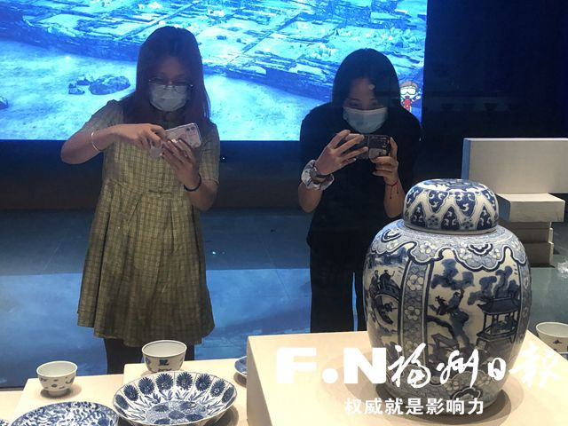 """福州市博物馆提升改造完成 记者探秘即将亮相的""""碗礁一号""""沉船出水瓷器展"""