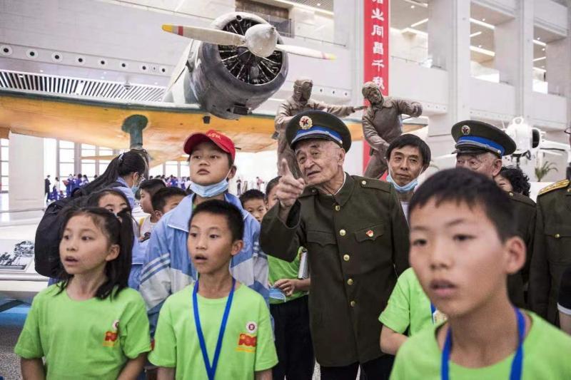 东城区抗美援朝军休干部代表在军博举行宣誓活动