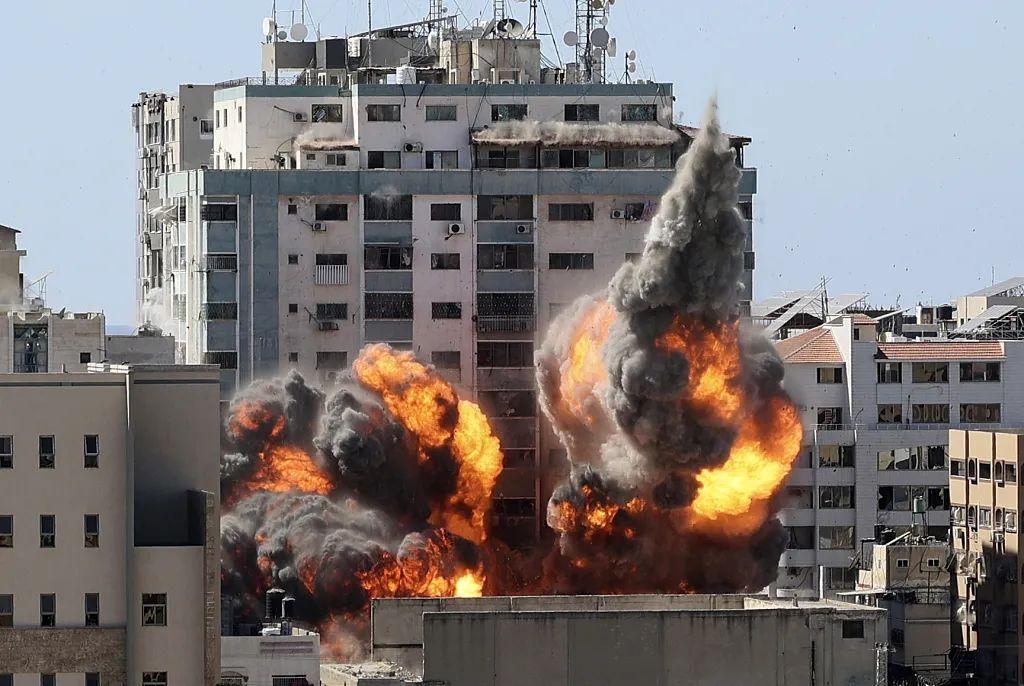 以色列刚回应了炸毁媒体大楼原因 美媒就站出来打脸