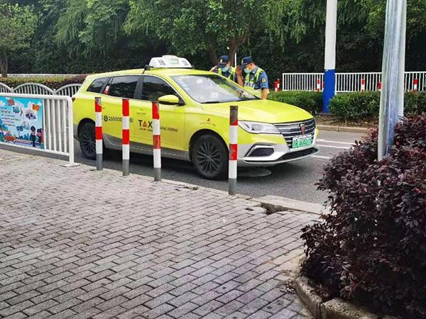 上海欢乐谷周边出租车拒载、坐地起价?执法部门持续整治