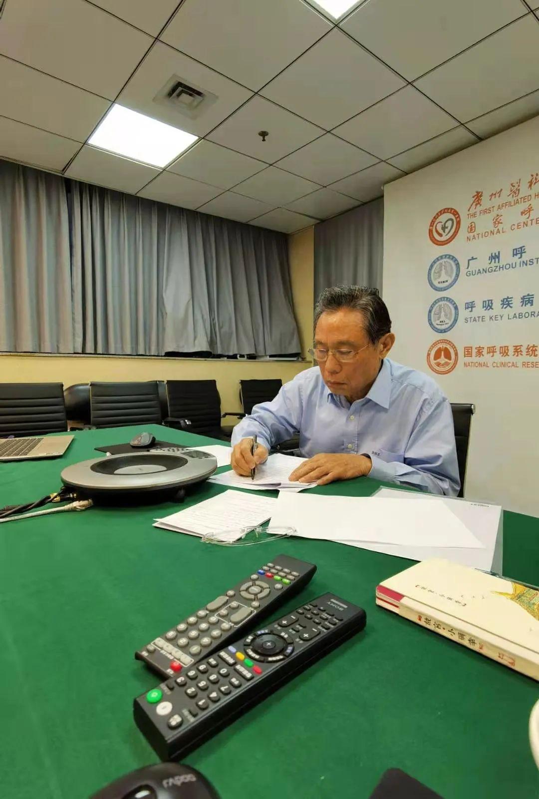新华社独家专访钟南山,信息量很大!