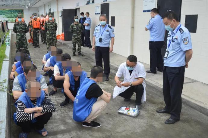井研县看守所开展预防艾滋病宣传教育活动