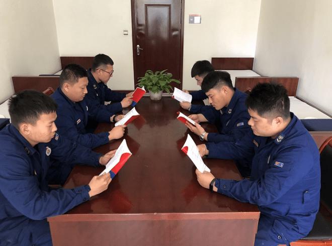 天津宁河消防救援支队为全体指战员制作配发党史学习教育口袋书
