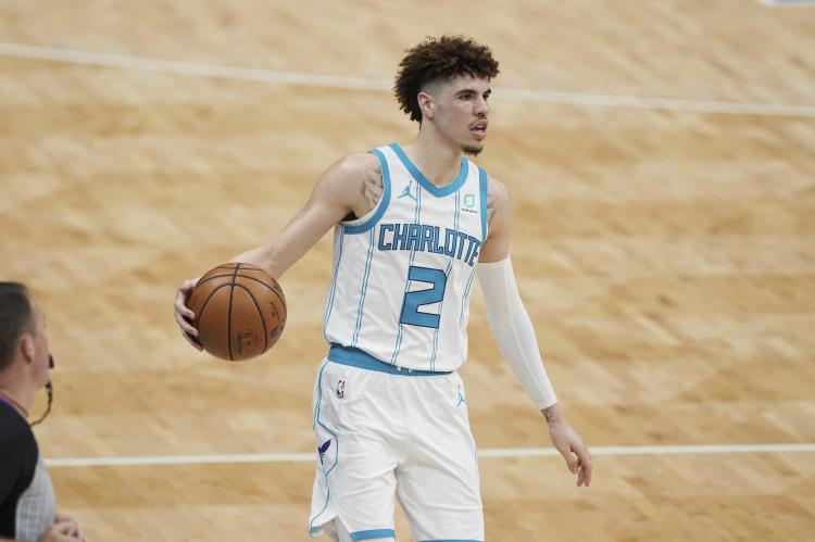 专访 三球:14岁觉得自己能打NBA 相比于最佳新秀季后赛才是目标