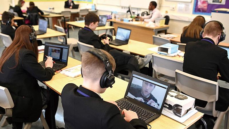 英国部分大学宣布复课 留学市场仍受国际生欢迎