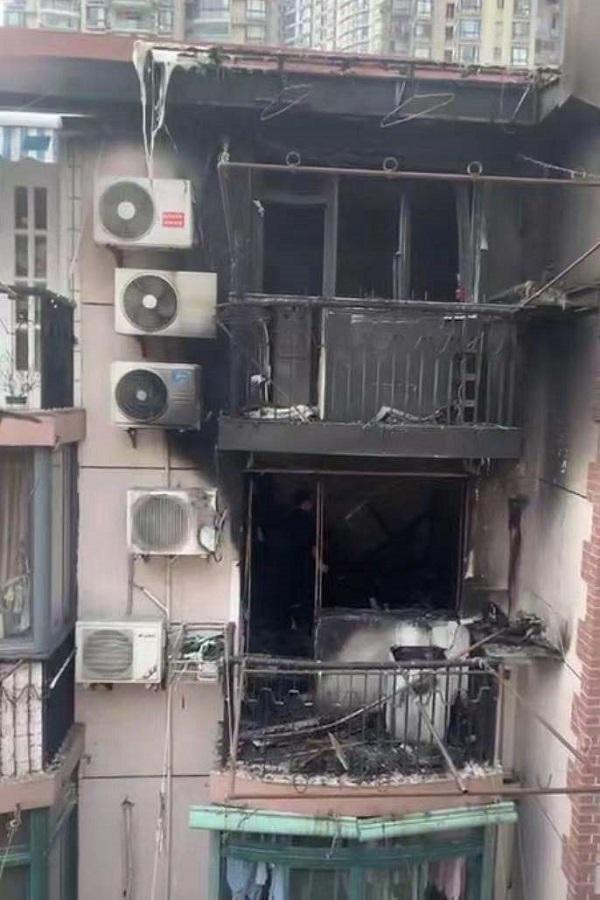 海防村一居民家中起火 3人受伤送医