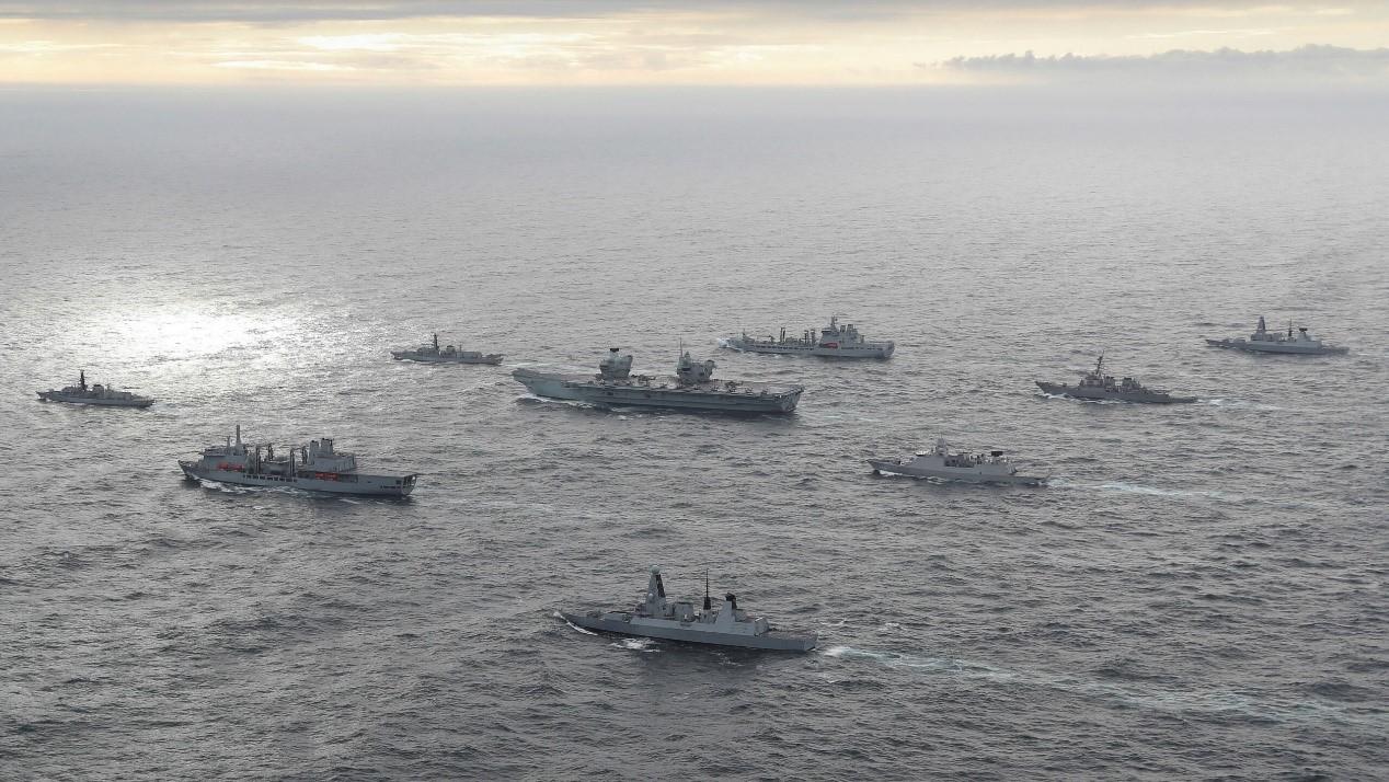 """英将派航母舰队首航亚洲,战略重心转向""""印太""""?"""