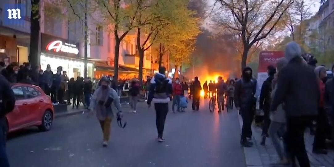 """欧洲多国举行""""五一""""示威游行,成千上万人走上街头"""