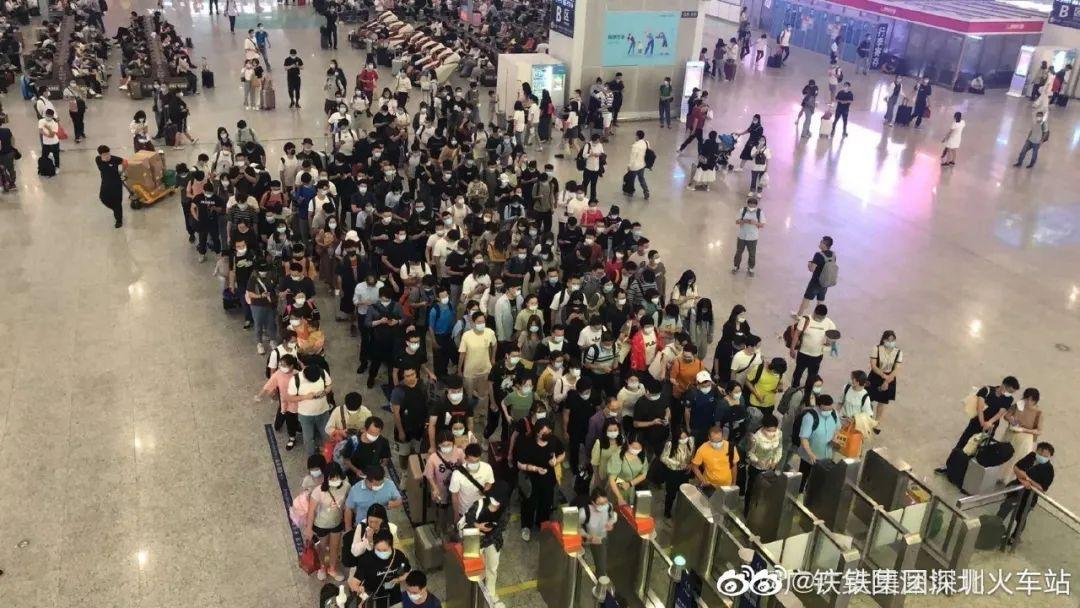 突破26万 5月1日深圳北站客发量再创新高