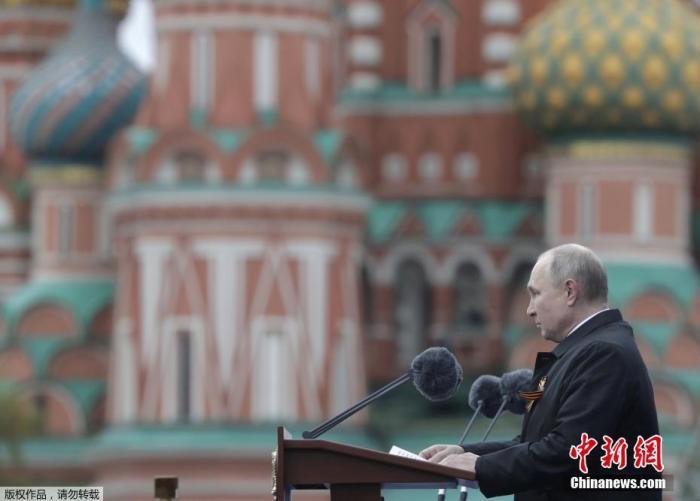 """""""情绪宣泄""""、""""双重标准"""":普京批西方针对白俄"""