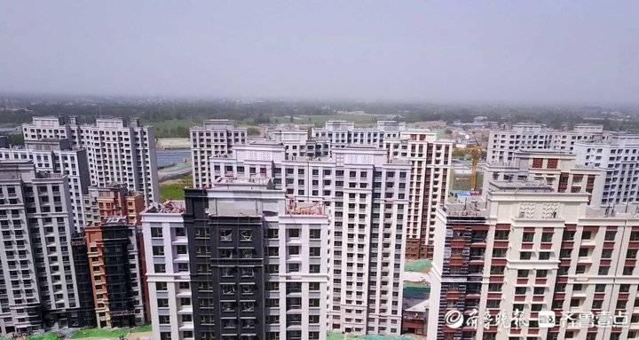 新旧动能转换起步区这一居民安置区快建成了,挺壮观!