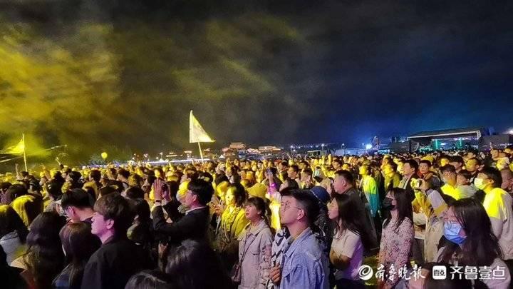 泉城夜宴展魅力,济南夜经济如何提档升级?