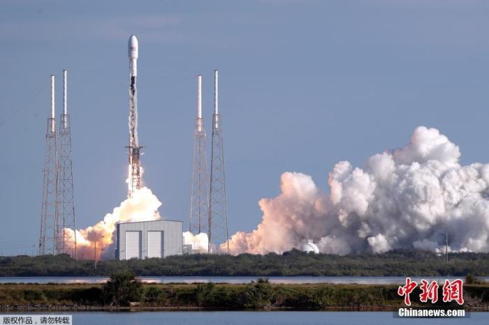 """SpaceX""""猎鹰9""""号火箭再升空 运送60颗""""星链""""卫"""